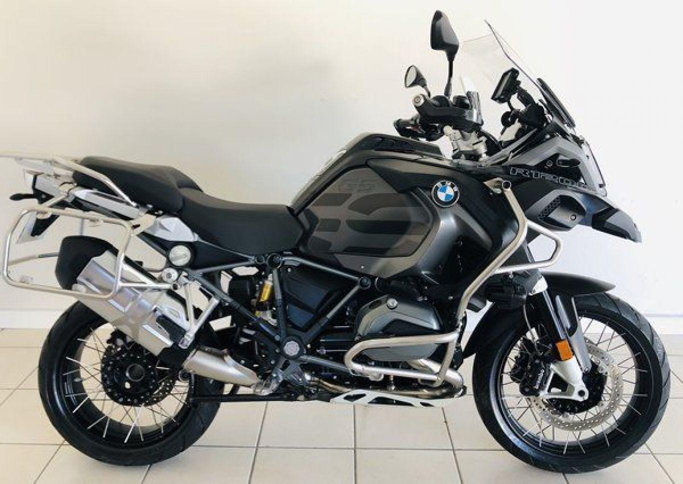 2016 BMW Motorcycle Updates Include R1200GS TripleBlack